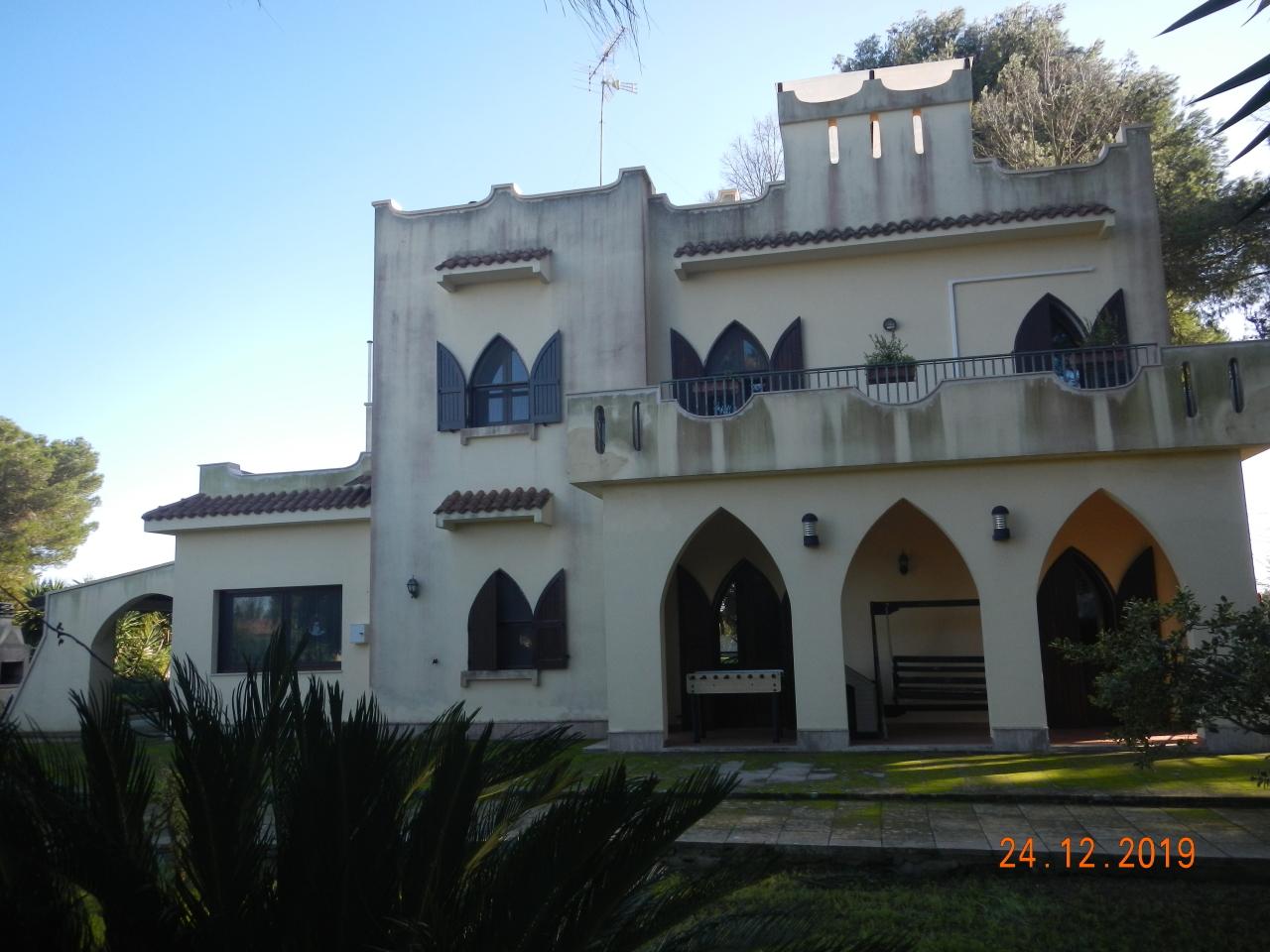 Villa - Casa, €650,000, Vendita - Lequile (Lecce)