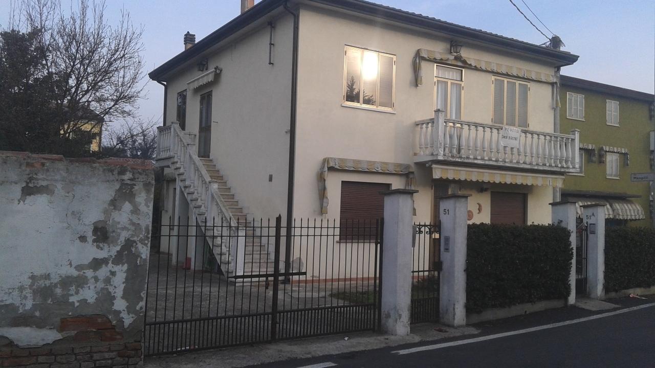 Soluzione Indipendente in vendita a San Martino di Venezze, 8 locali, prezzo € 120.000 | CambioCasa.it
