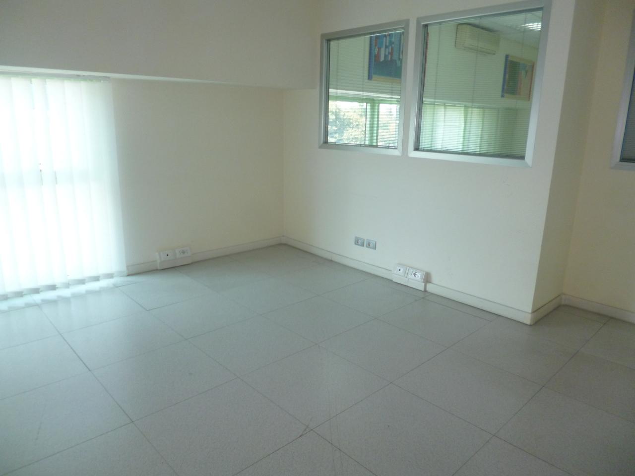 Ufficio / Studio in affitto a Livorno, 4 locali, prezzo € 750 | Cambio Casa.it
