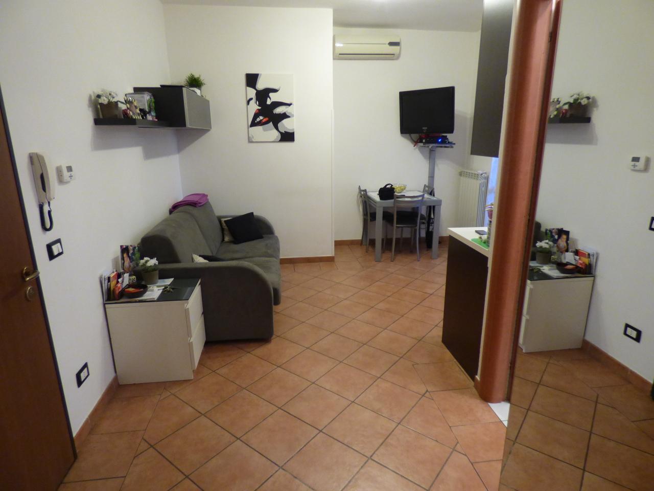 Bilocale Firenze Via Dell'argingrosso \\ 11