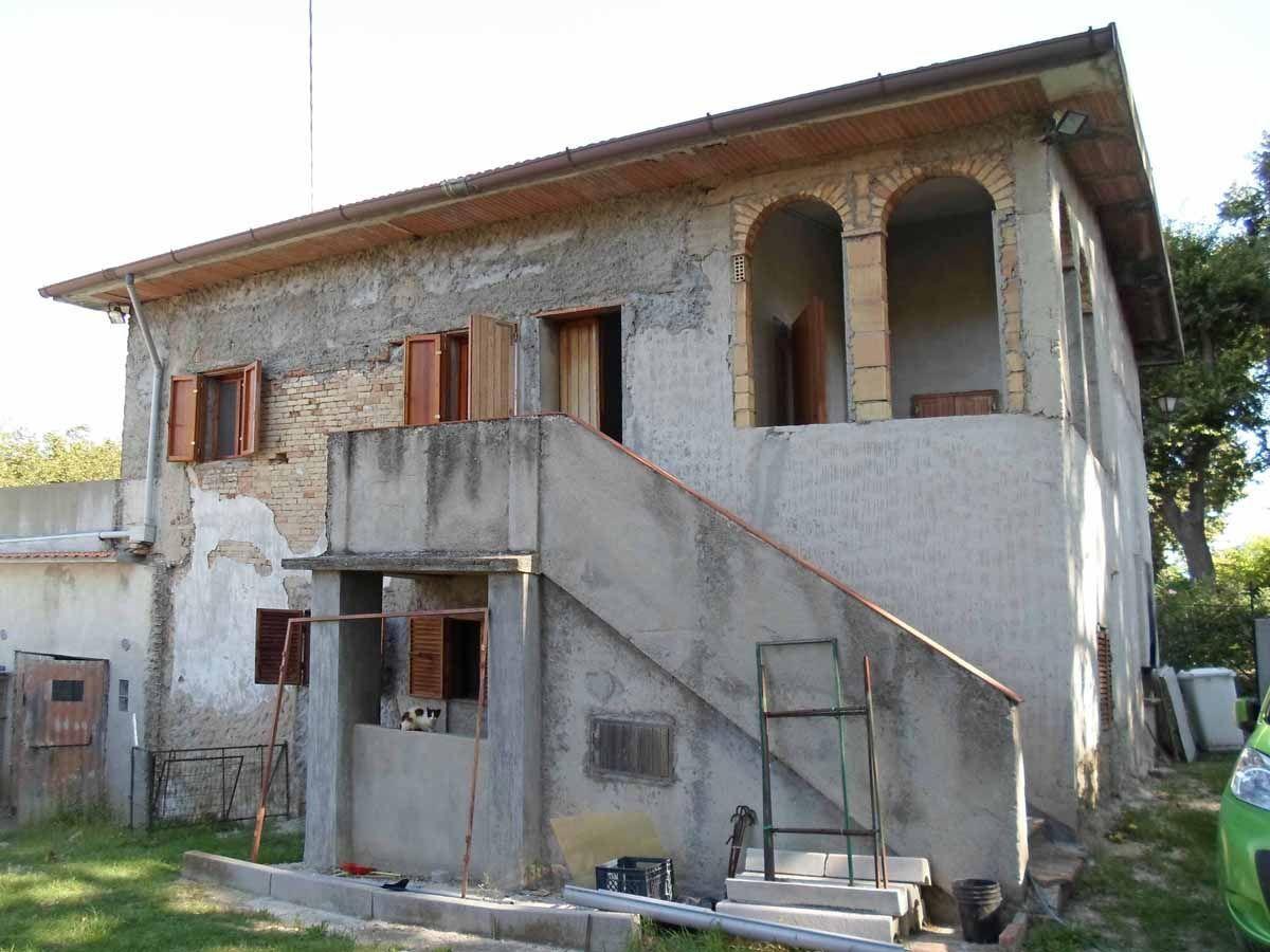Soluzione Indipendente in vendita a Ostra, 10 locali, prezzo € 100.000 | Cambio Casa.it