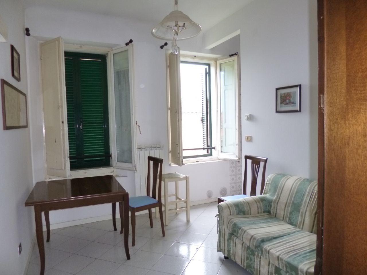 Appartamento in affitto a Jesi, 2 locali, prezzo € 300 | Cambio Casa.it