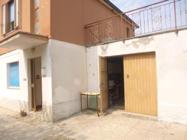 Soluzione Indipendente in vendita a Jesi, 8 locali, prezzo € 200.000 | Cambio Casa.it