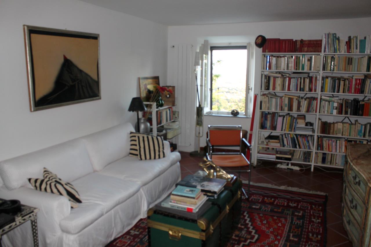 Appartamento in vendita a Magliano in Toscana, 8 locali, prezzo € 355.000 | Cambio Casa.it