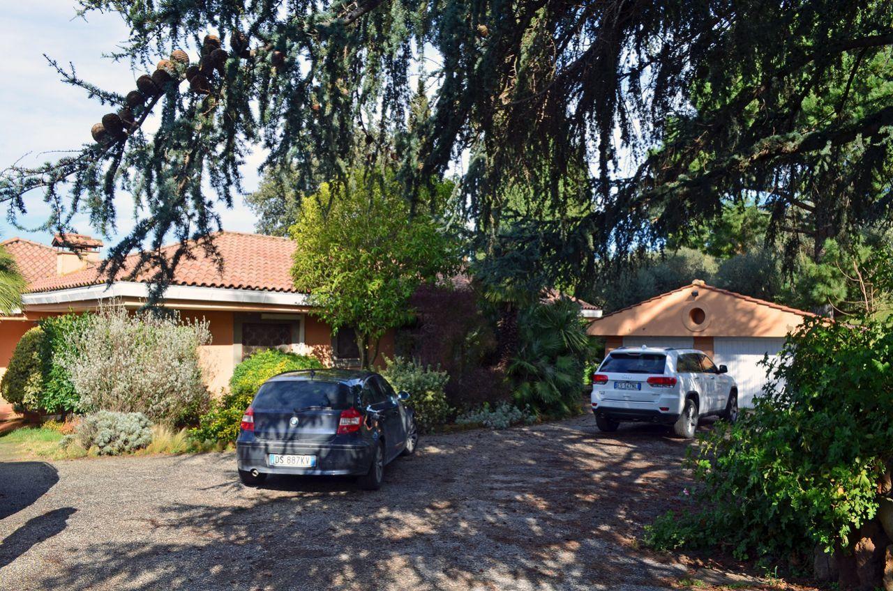 Villa in vendita a Marino, 12 locali, prezzo € 1.100.000 | Cambio Casa.it