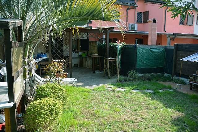 Soluzione Indipendente in vendita a Pontedera, 4 locali, prezzo € 138.000 | CambioCasa.it