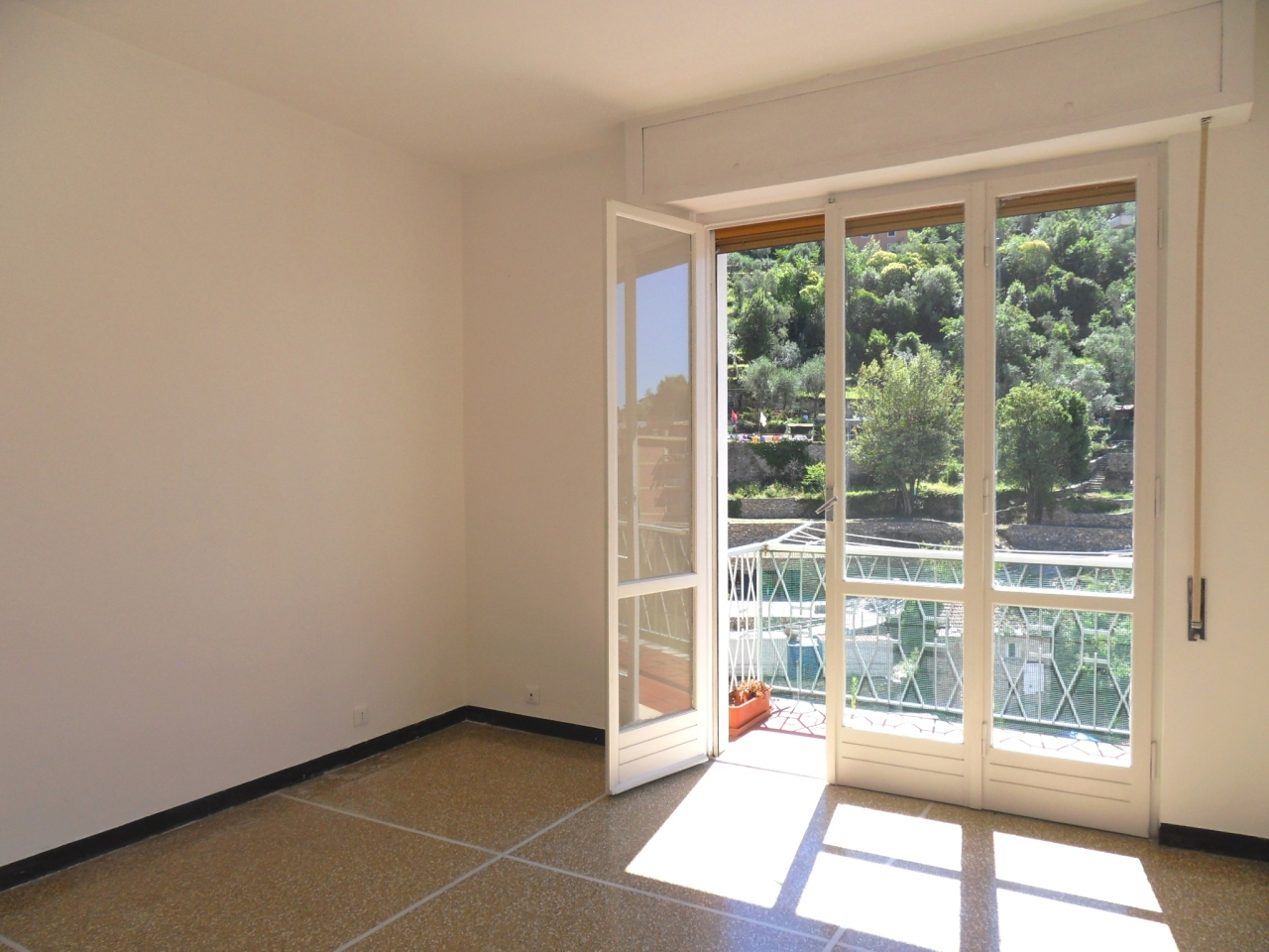 Appartamento in vendita a Recco, 4 locali, prezzo € 250.000 | Cambio Casa.it