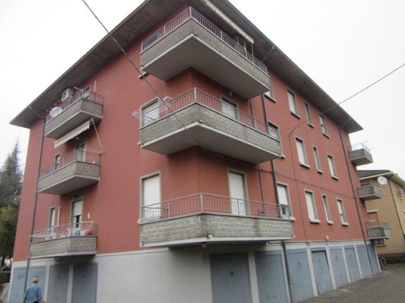 Appartamento in affitto a Lesignano de' Bagni, 3 locali, prezzo € 450 | CambioCasa.it