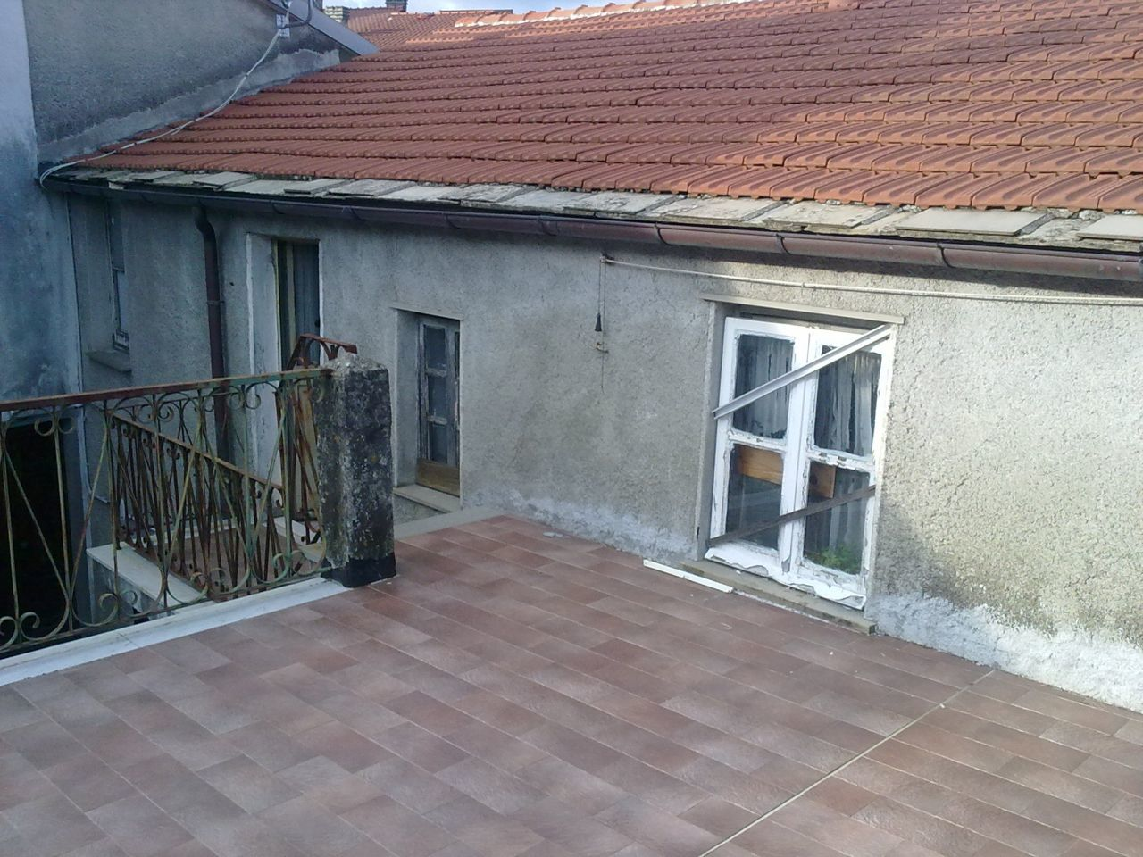 Appartamento in vendita a Carro, 4 locali, prezzo € 60.000 | CambioCasa.it