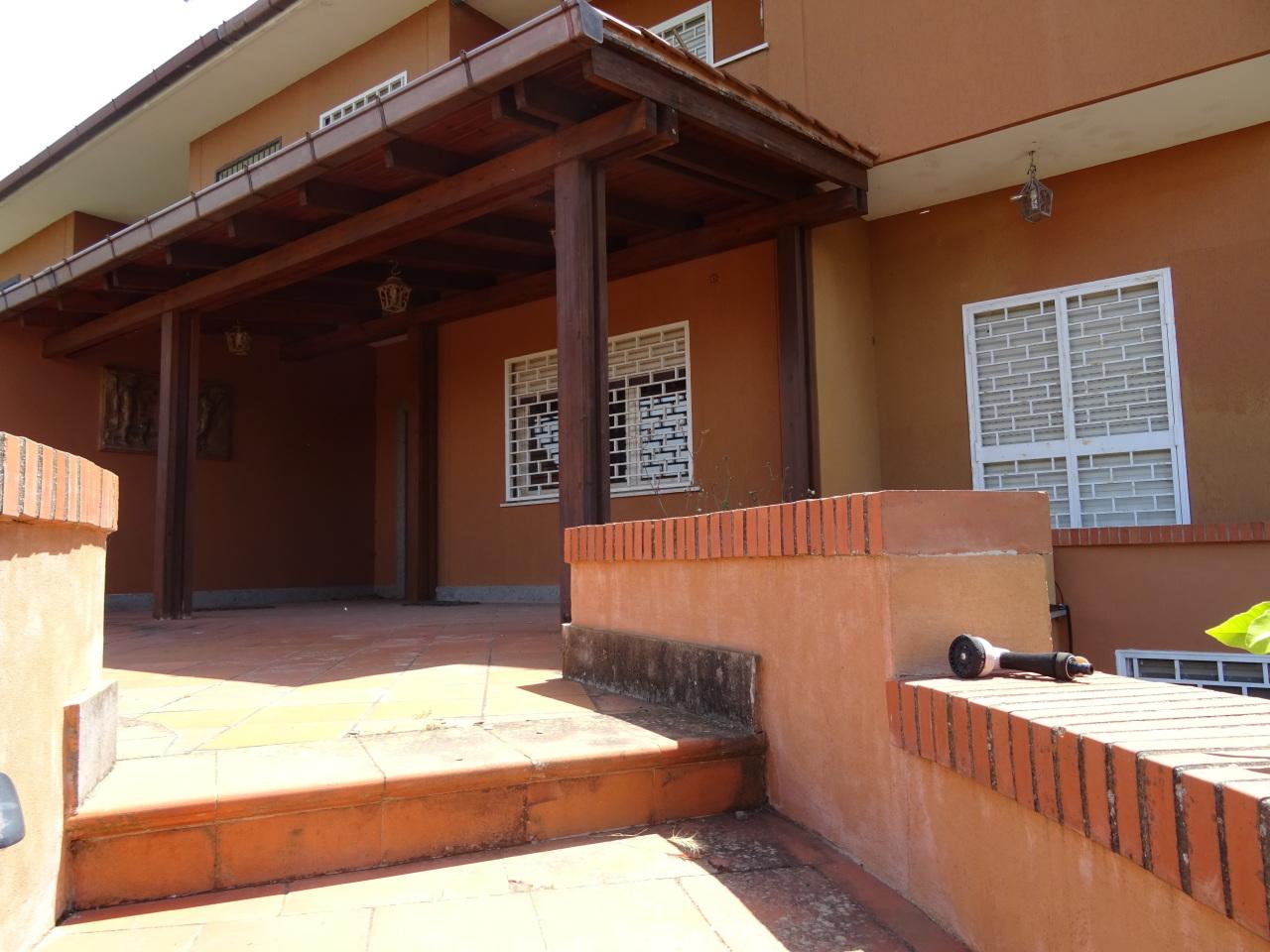 Soluzione Indipendente in vendita a Grottaferrata, 10 locali, prezzo € 690.000 | Cambio Casa.it