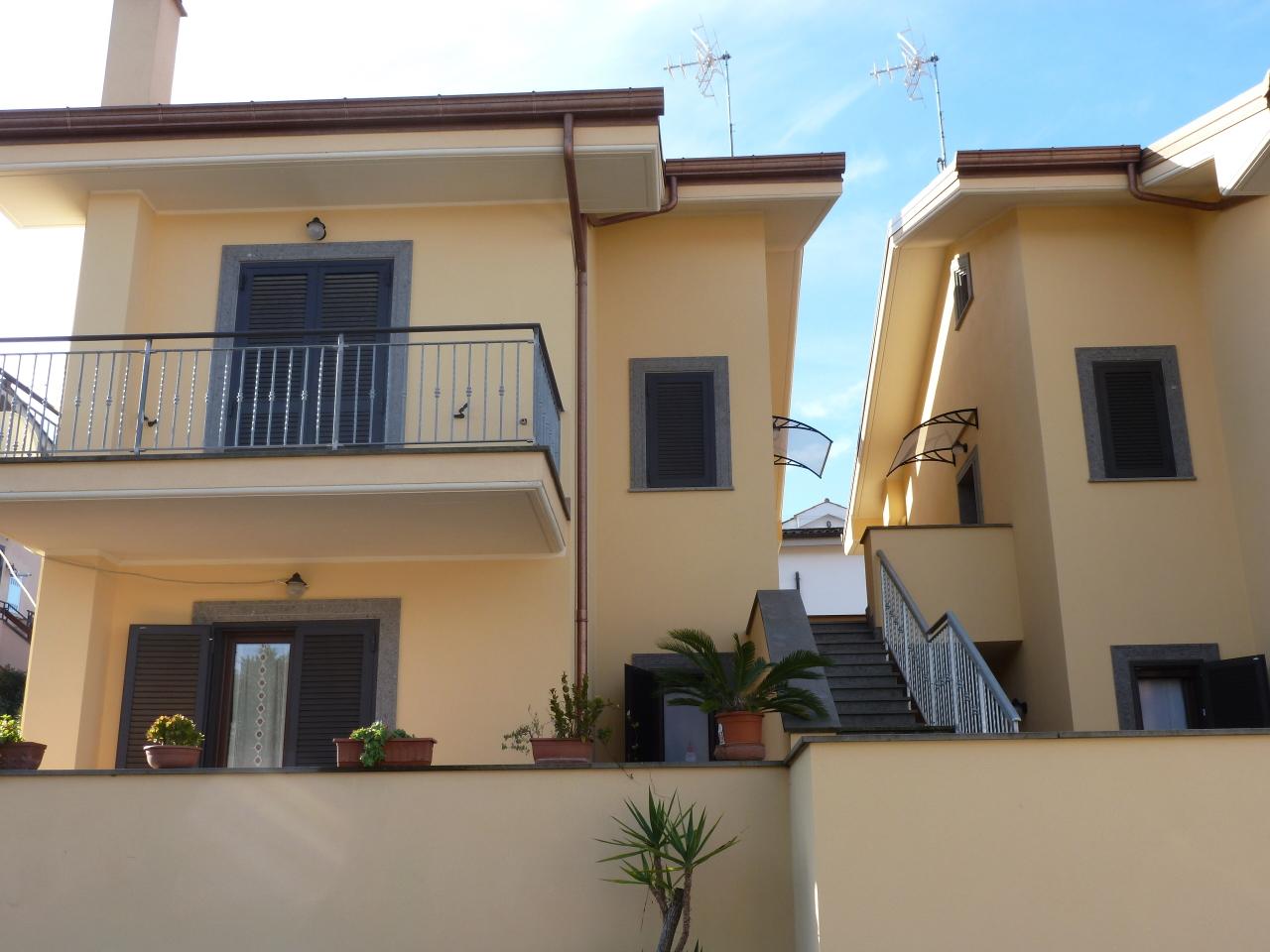 Appartamento in vendita a Grottaferrata, 4 locali, prezzo € 249.000 | Cambio Casa.it