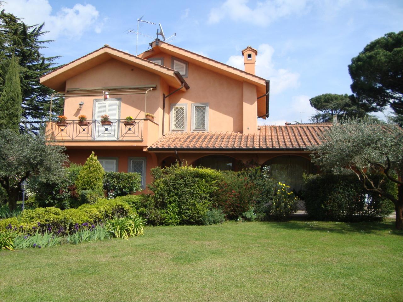 Villa in vendita a Grottaferrata, 11 locali, prezzo € 1.280.000 | CambioCasa.it