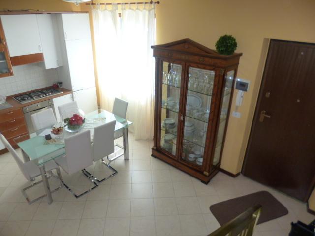 Soluzione Indipendente in affitto a Jesi, 5 locali, prezzo € 600 | Cambio Casa.it