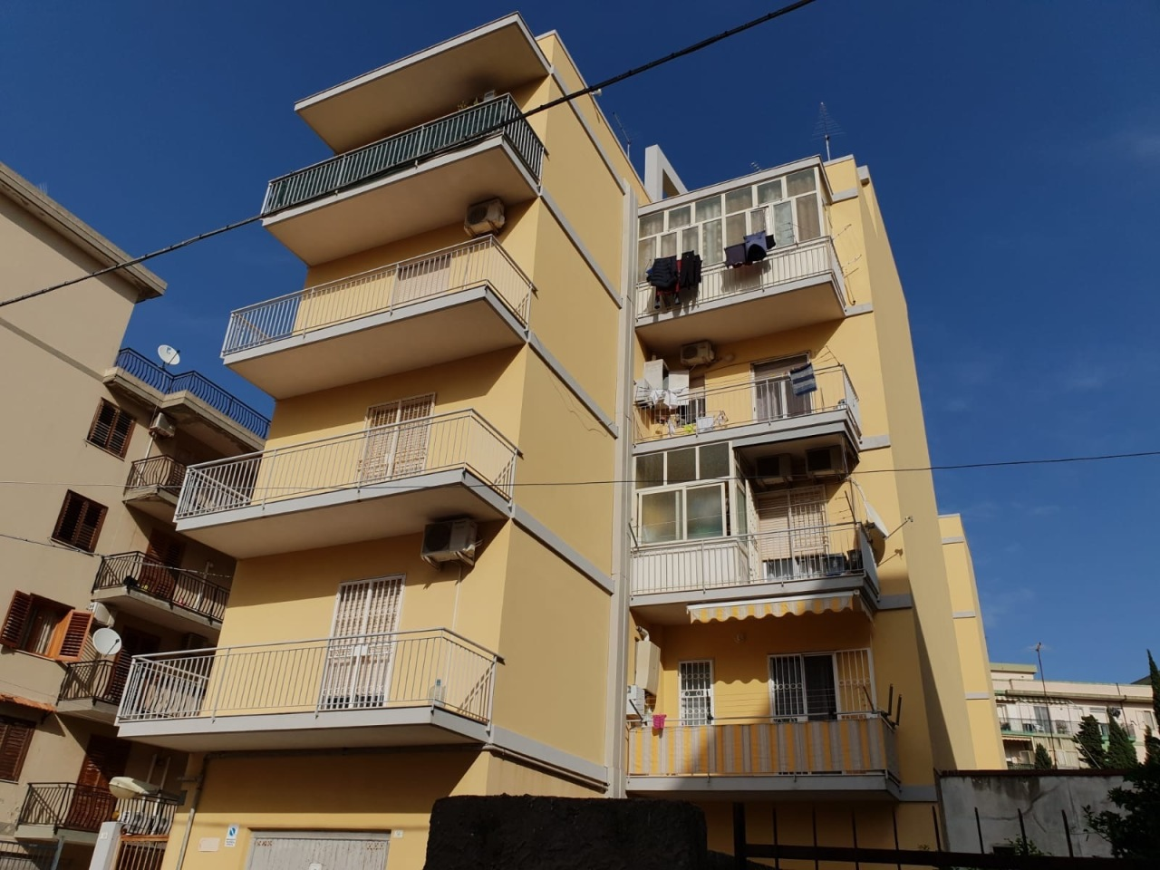 siracusa vendita quart: tisia tica zecchino filisto schiavone immobiliare