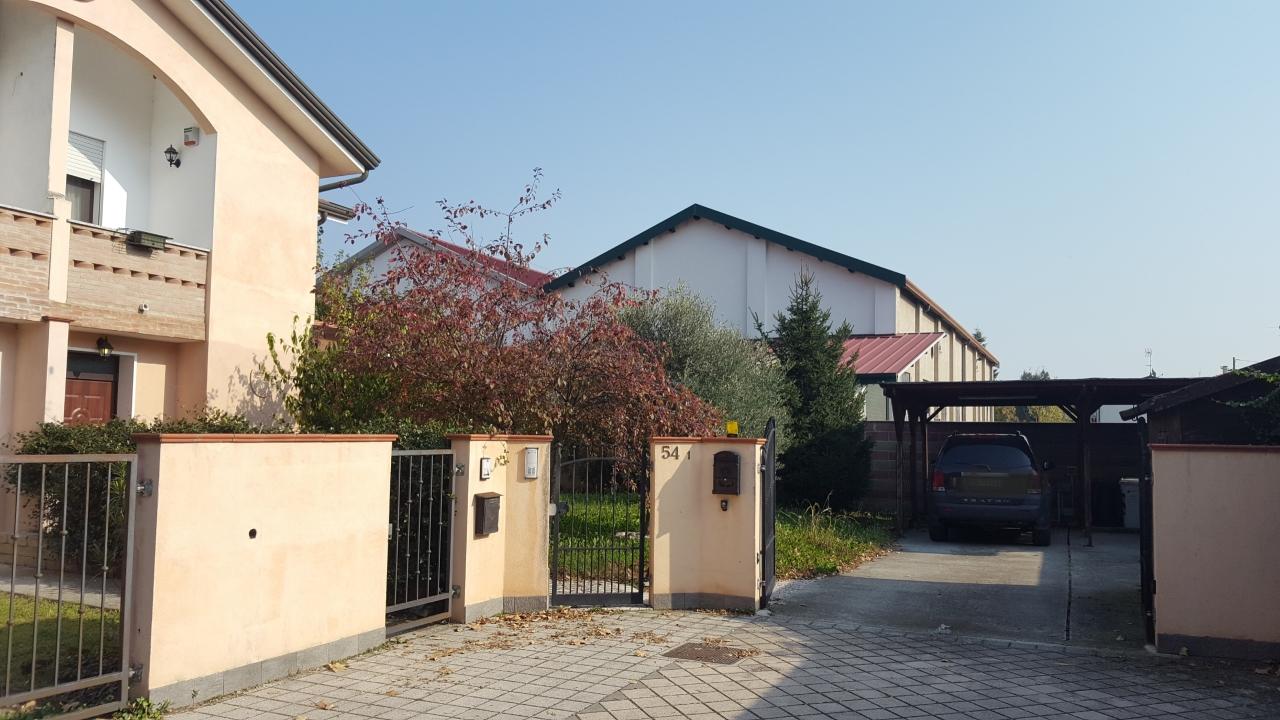 Soluzione Indipendente in vendita a Pontecchio Polesine, 6 locali, prezzo € 175.000 | CambioCasa.it