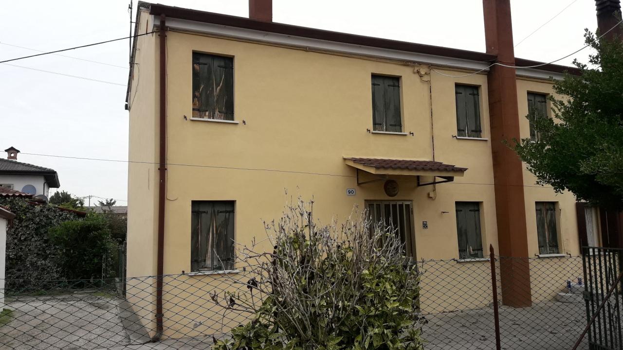 Soluzione Indipendente in vendita a San Martino di Venezze, 4 locali, prezzo € 25.000 | CambioCasa.it
