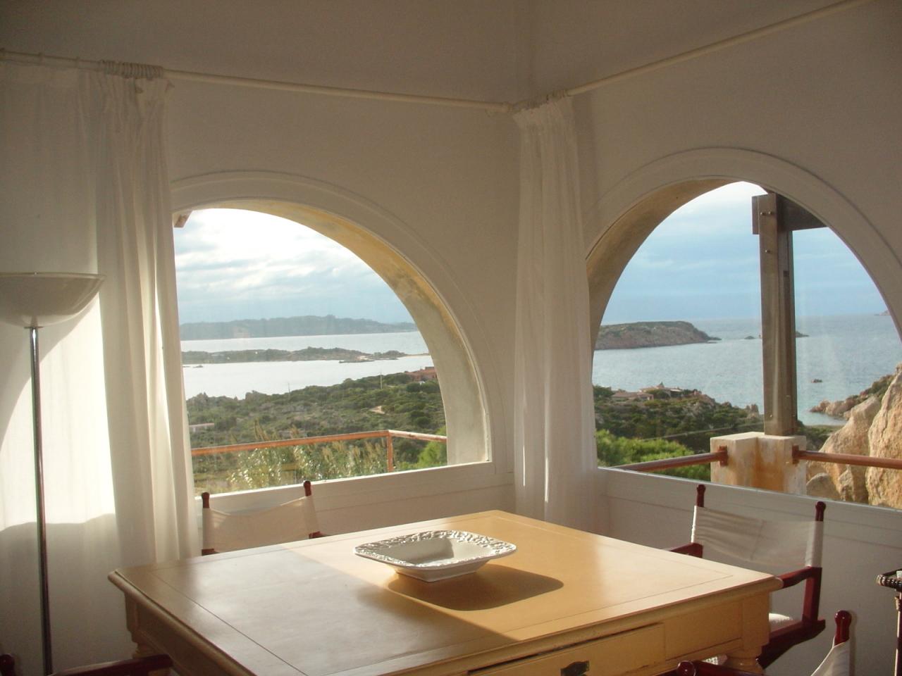 Villa in vendita a La Maddalena, 7 locali, Trattative riservate | Cambio Casa.it