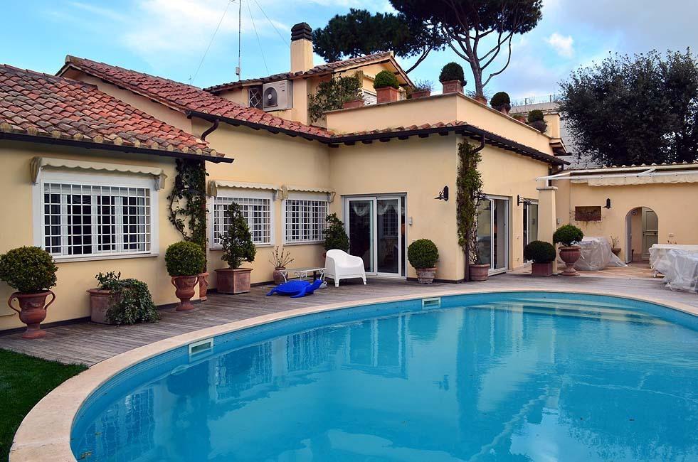 Villa in vendita a Fiumicino, 11 locali, prezzo € 1.700.000 | Cambio Casa.it