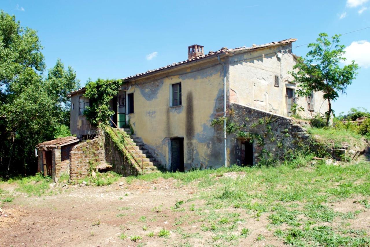 Rustico / Casale in vendita a San Casciano dei Bagni, 12 locali, prezzo € 290.000   CambioCasa.it
