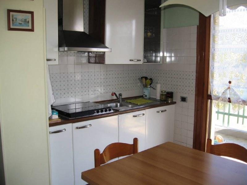 vendita appartamento massa   210000 euro  3 locali  60 mq