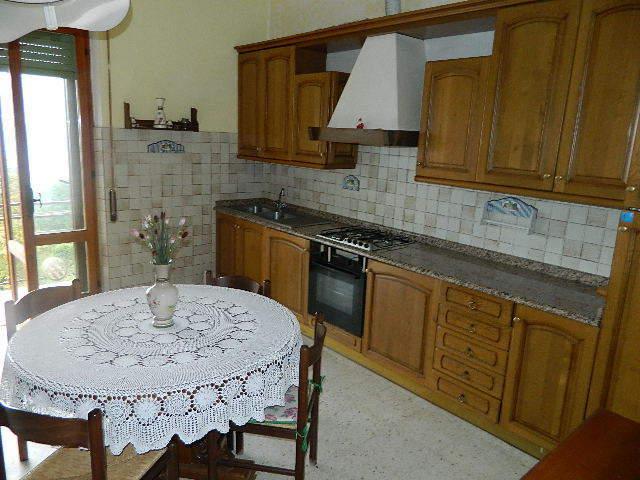 vendita appartamento castelnuovo magra   220000 euro  5 locali  120 mq