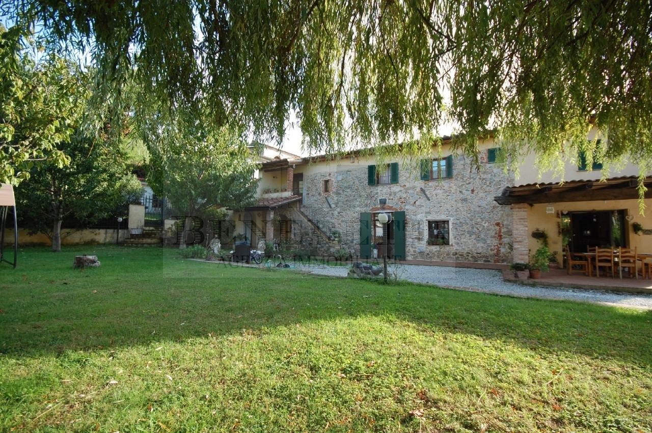 Rustico / Casale in vendita a Pietrasanta, 14 locali, prezzo € 1.300.000 | Cambio Casa.it