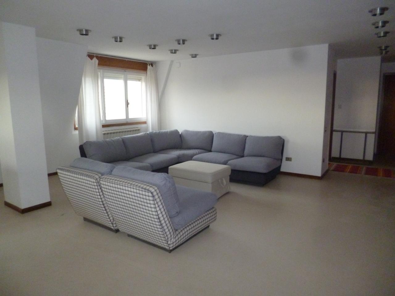 Attico / Mansarda in affitto a Livorno, 4 locali, prezzo € 750 | Cambio Casa.it