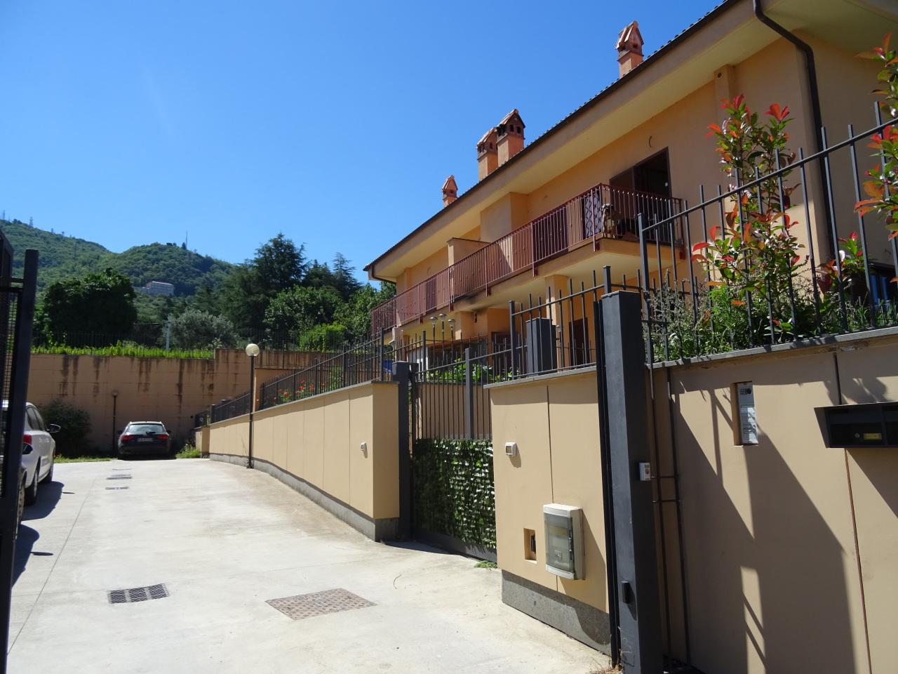 Soluzione Semindipendente in vendita a Rocca di Papa, 5 locali, prezzo € 279.000 | Cambio Casa.it