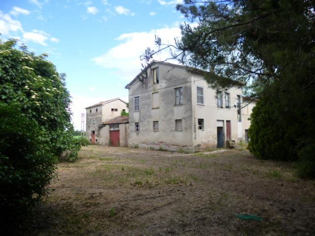 Soluzione Indipendente in vendita a Jesi, 10 locali, prezzo € 150.000 | Cambio Casa.it