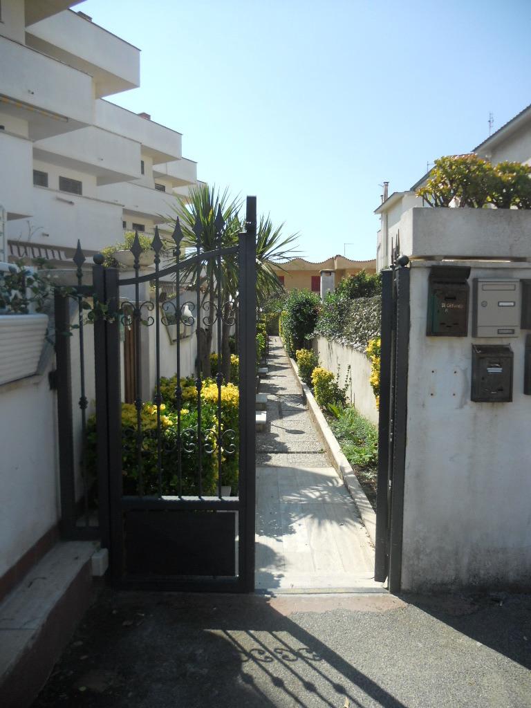 Bilocale Ardea Via Diomede 3