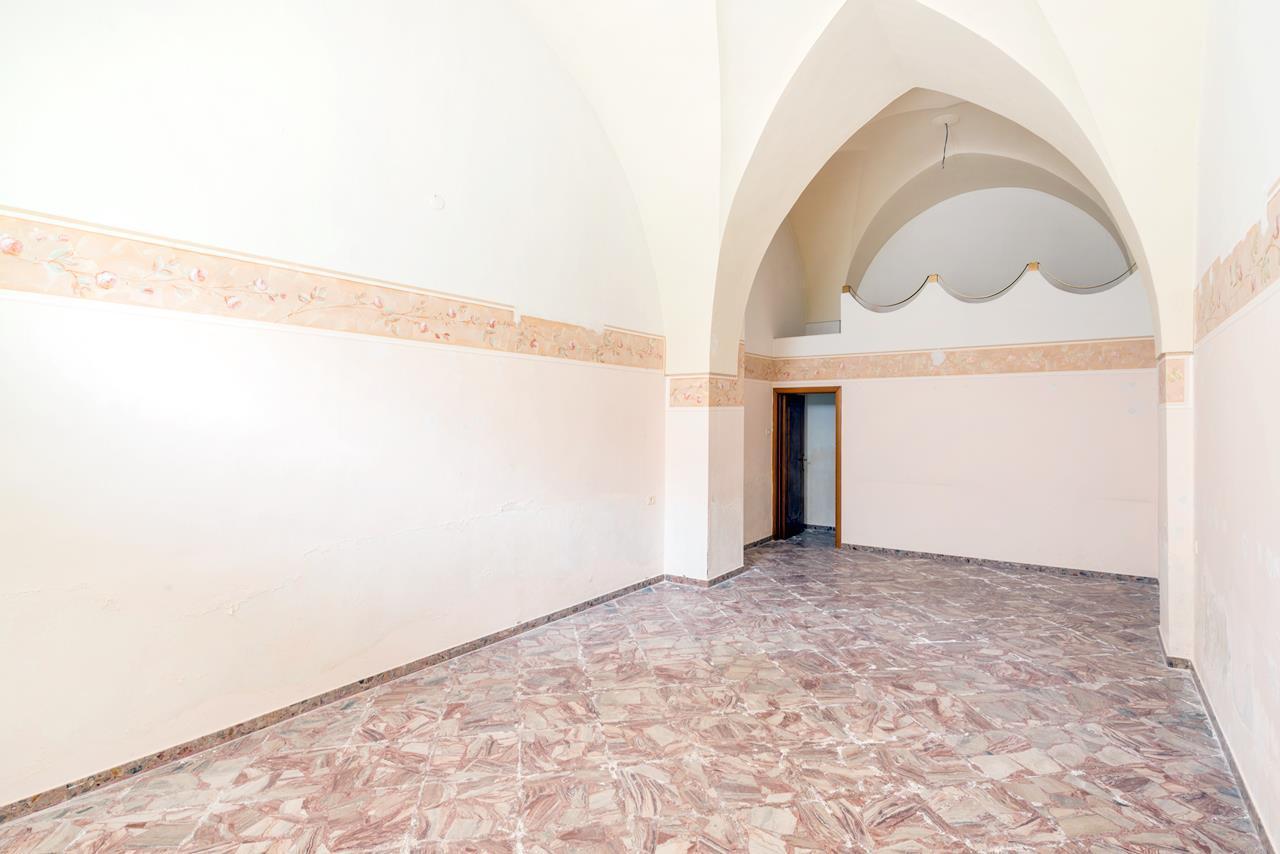 Altro in vendita a Aradeo, 23 locali, prezzo € 1.200.000 | Cambio Casa.it