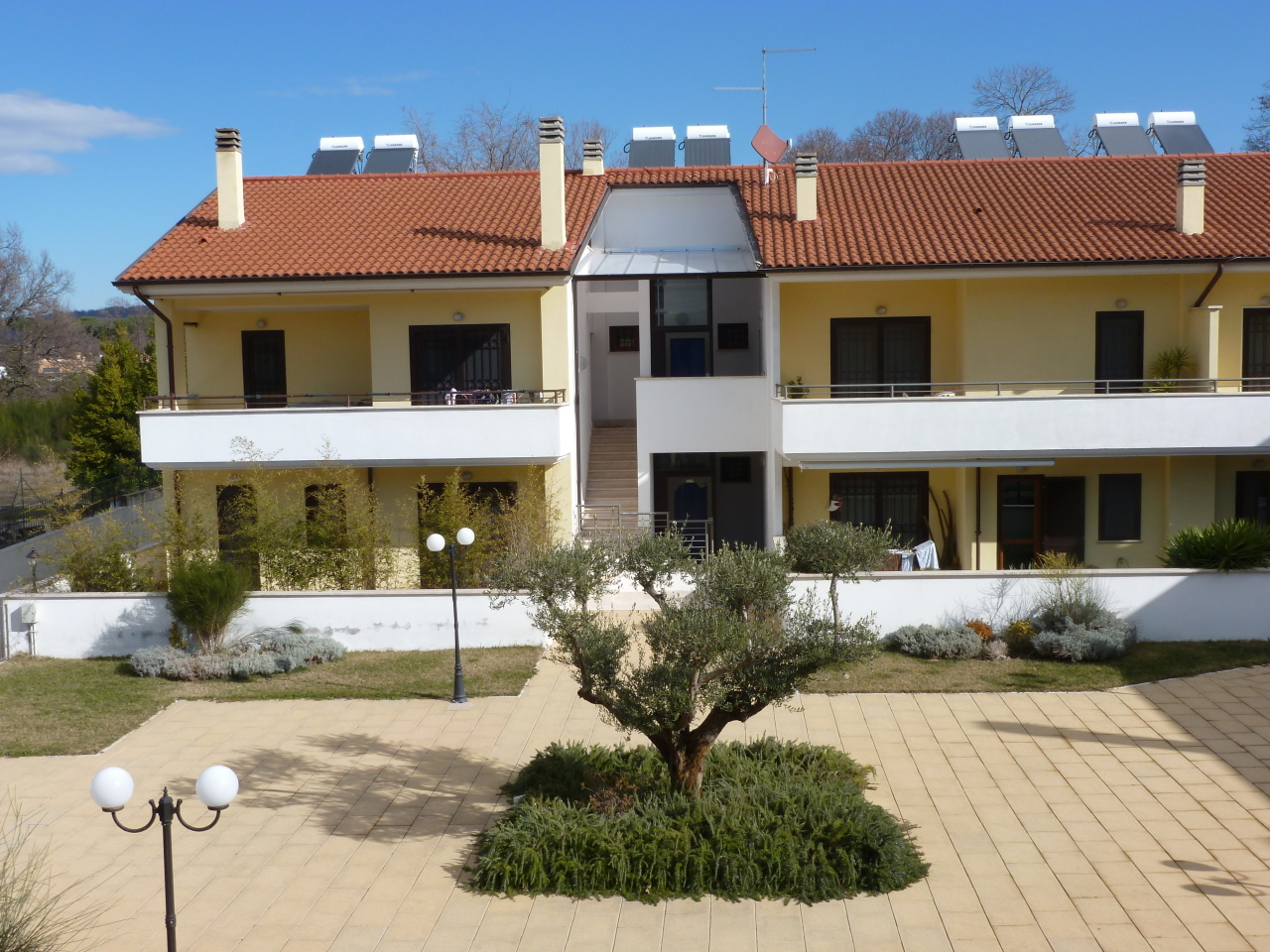 Appartamento in vendita a Rocca di Papa, 6 locali, prezzo € 249.000 | Cambio Casa.it