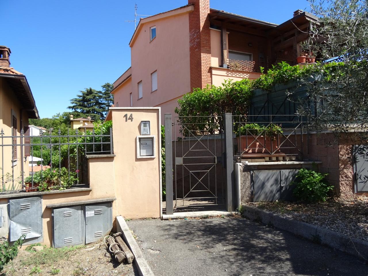 Appartamento in vendita a Grottaferrata, 3 locali, prezzo € 185.000   Cambio Casa.it