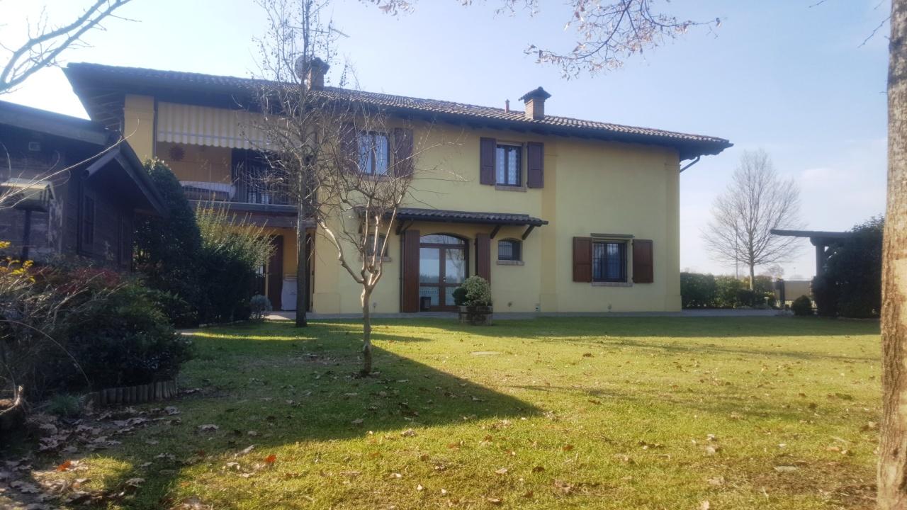 Villa Bifamiliare, 225 Mq, Vendita - Minerbio