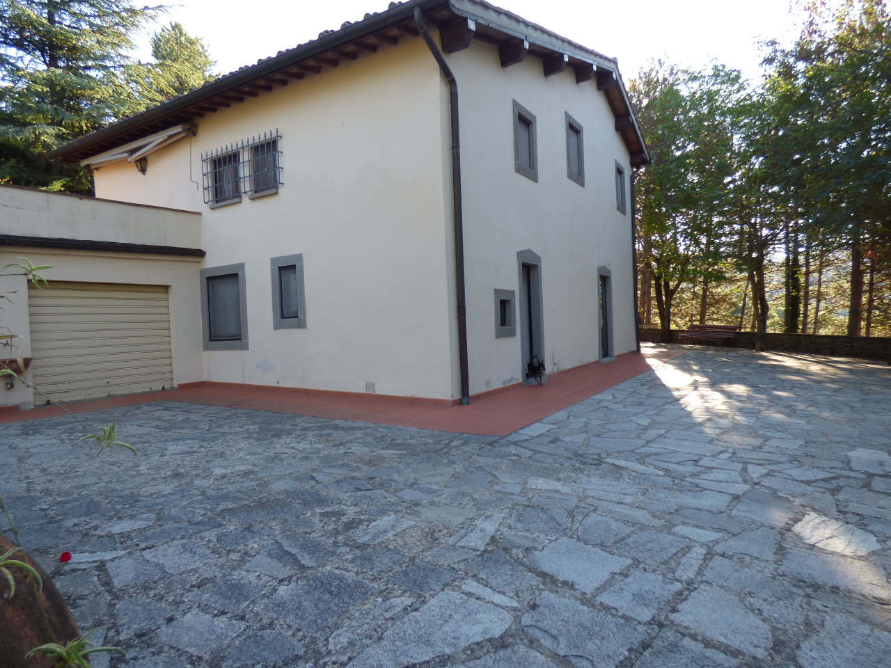 Rustico / Casale in vendita a Pelago, 8 locali, prezzo € 450.000 | CambioCasa.it
