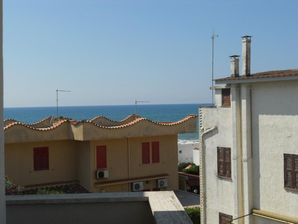 Bilocale Ardea Via Diomede 12