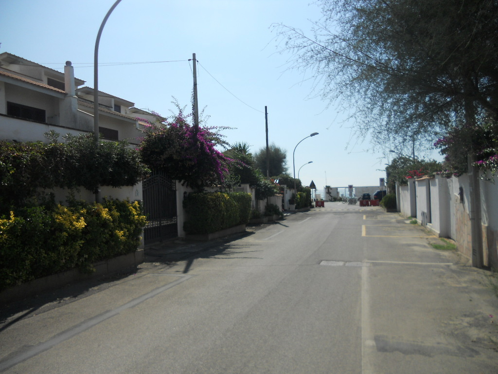 Bilocale Ardea Via Diomede 4