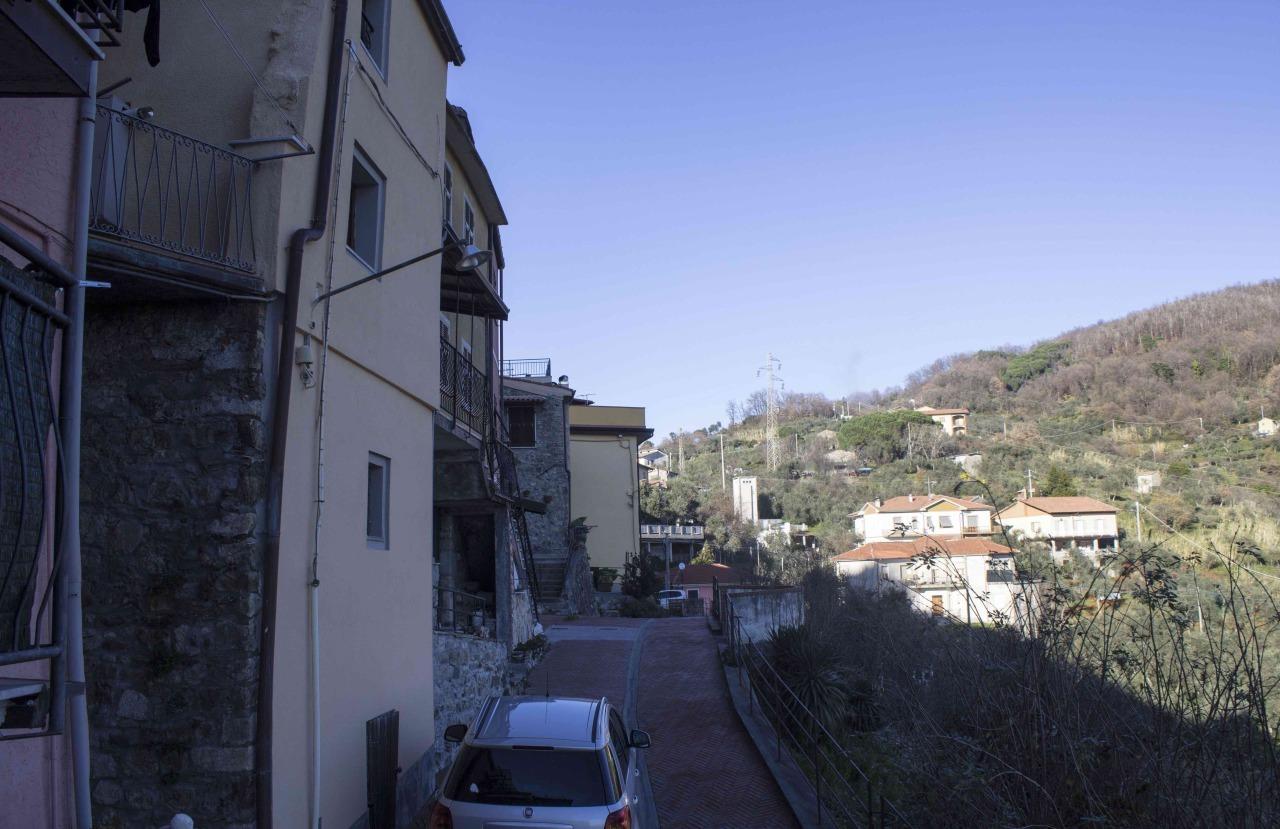 Bilocale Santo Stefano di Magra  11