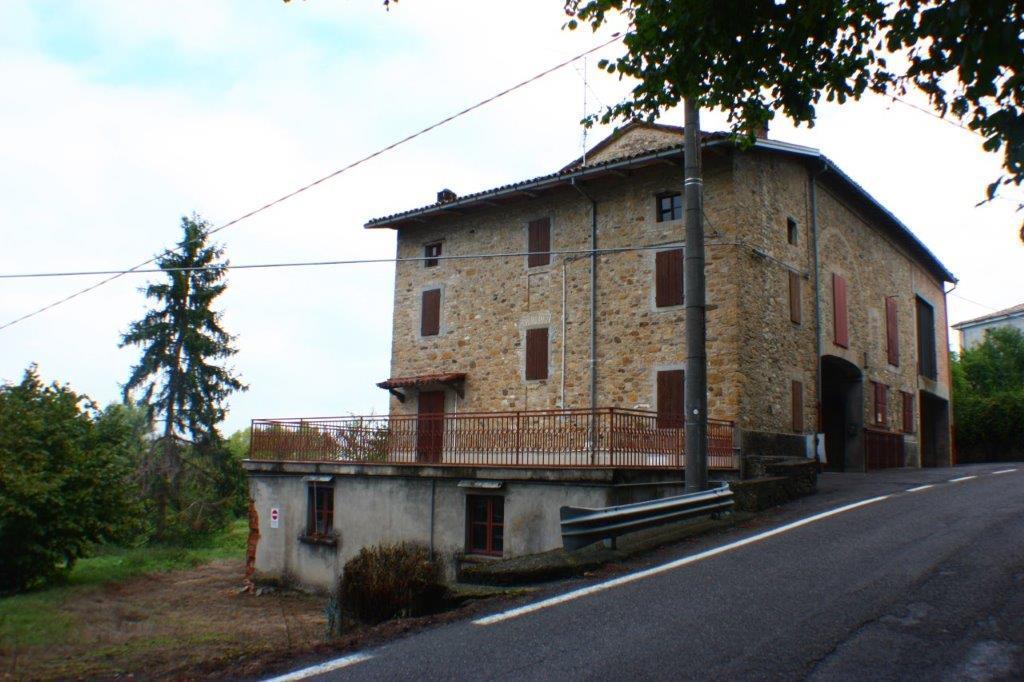Rustico / Casale in vendita a Sala Baganza, 8 locali, prezzo € 200.000 | CambioCasa.it