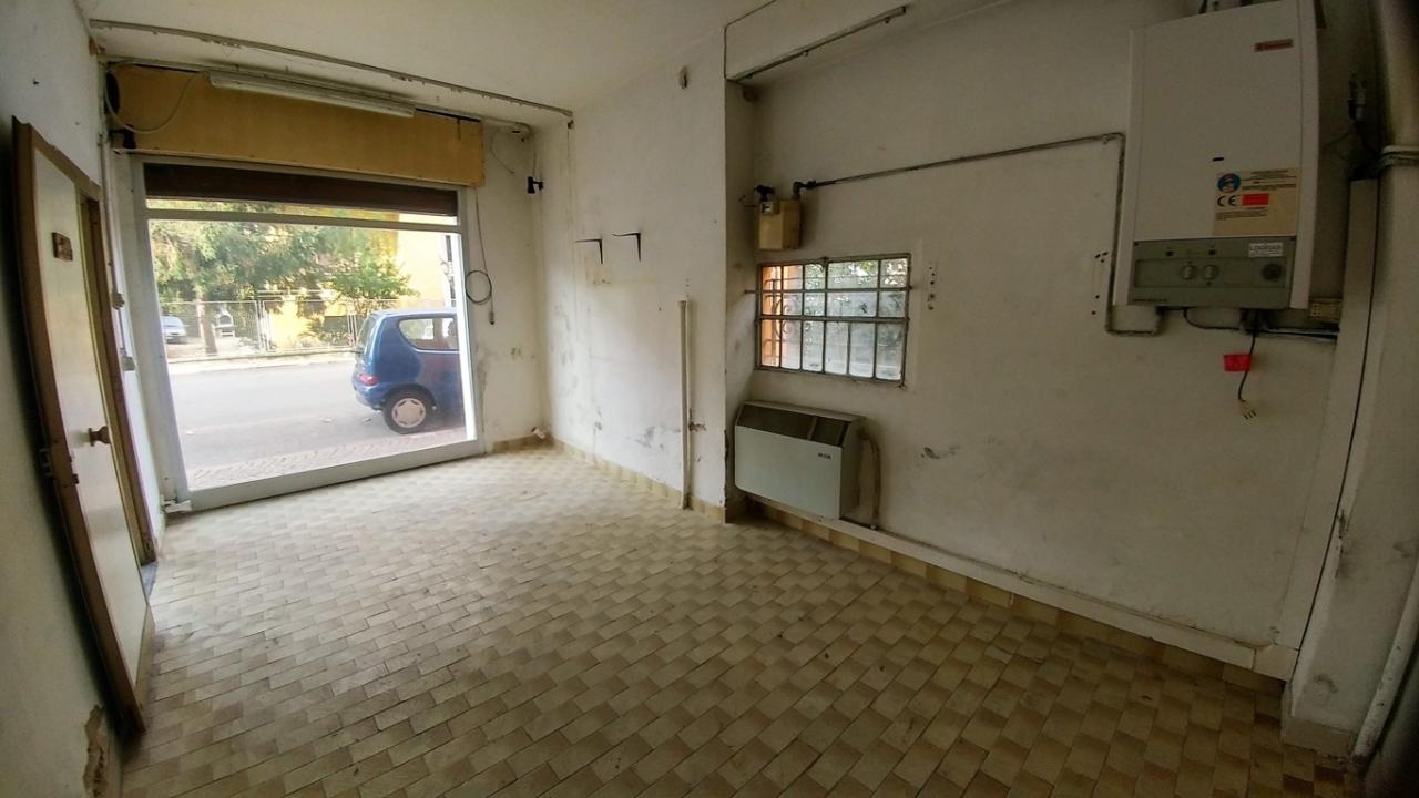 Negozio - Loc.Com. MODENA vendita  Musicisti  Immobiliare 227 snc di Fabbri Stefano e C.