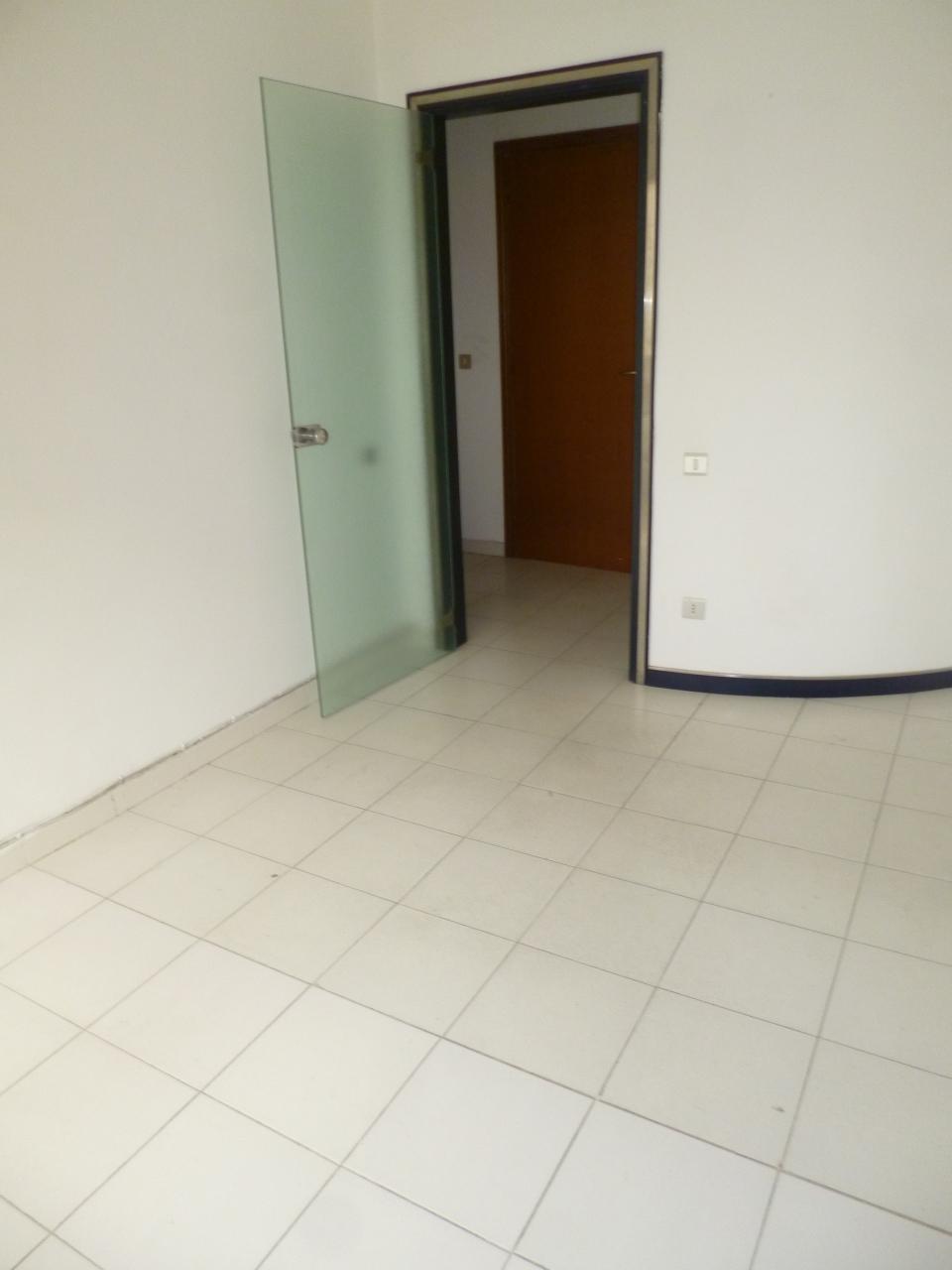 Ufficio / Studio in affitto a Livorno, 3 locali, prezzo € 400 | Cambio Casa.it