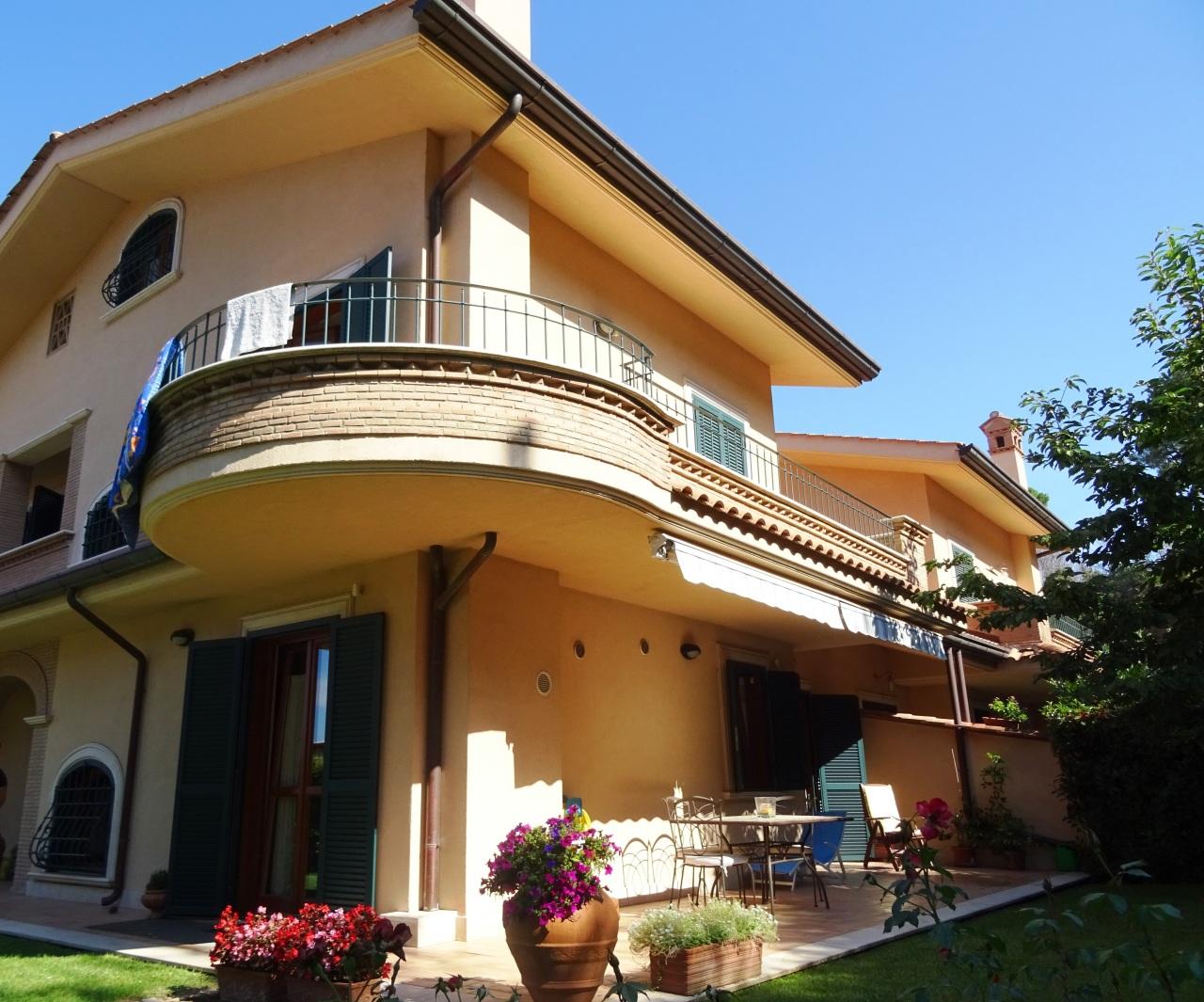 Soluzione Indipendente in vendita a Grottaferrata, 12 locali, prezzo € 790.000 | Cambio Casa.it