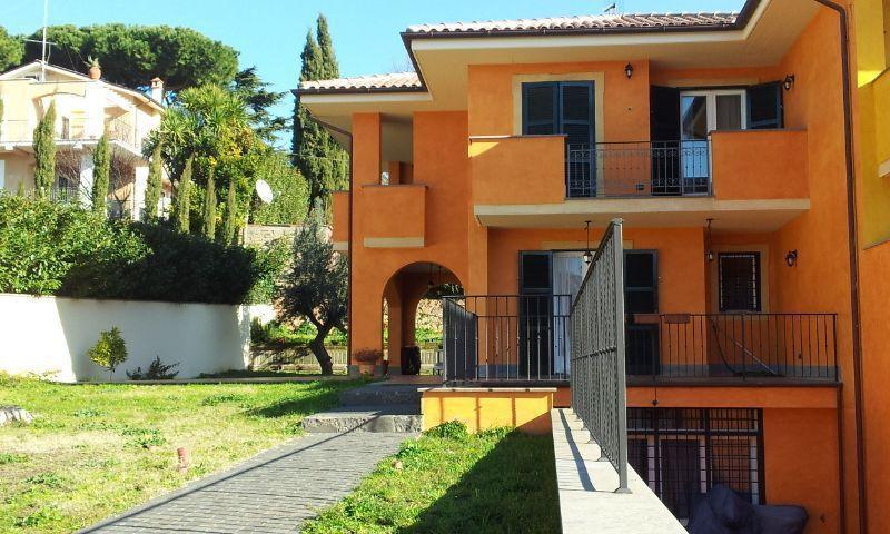 Soluzione Semindipendente in vendita a Albano Laziale, 6 locali, prezzo € 458.000 | Cambio Casa.it