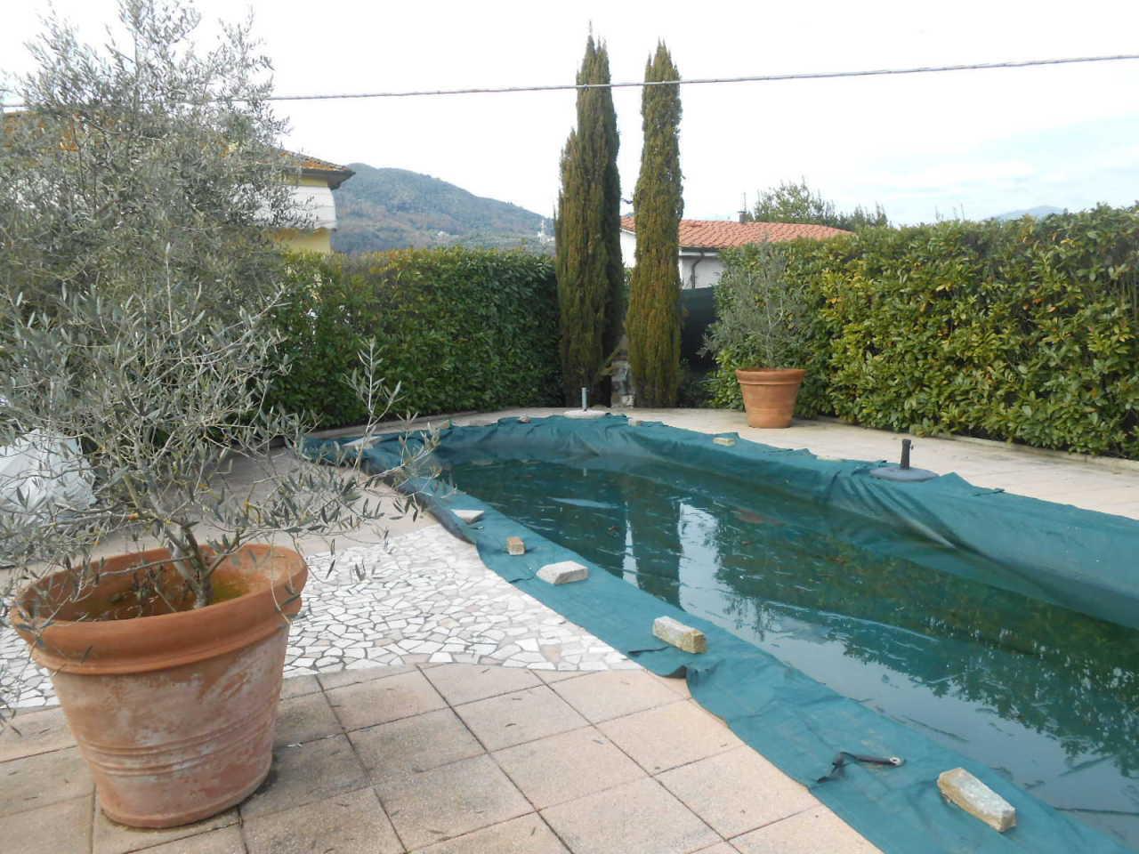 Villa in affitto a Lucca, 10 locali, prezzo € 1.800 | CambioCasa.it