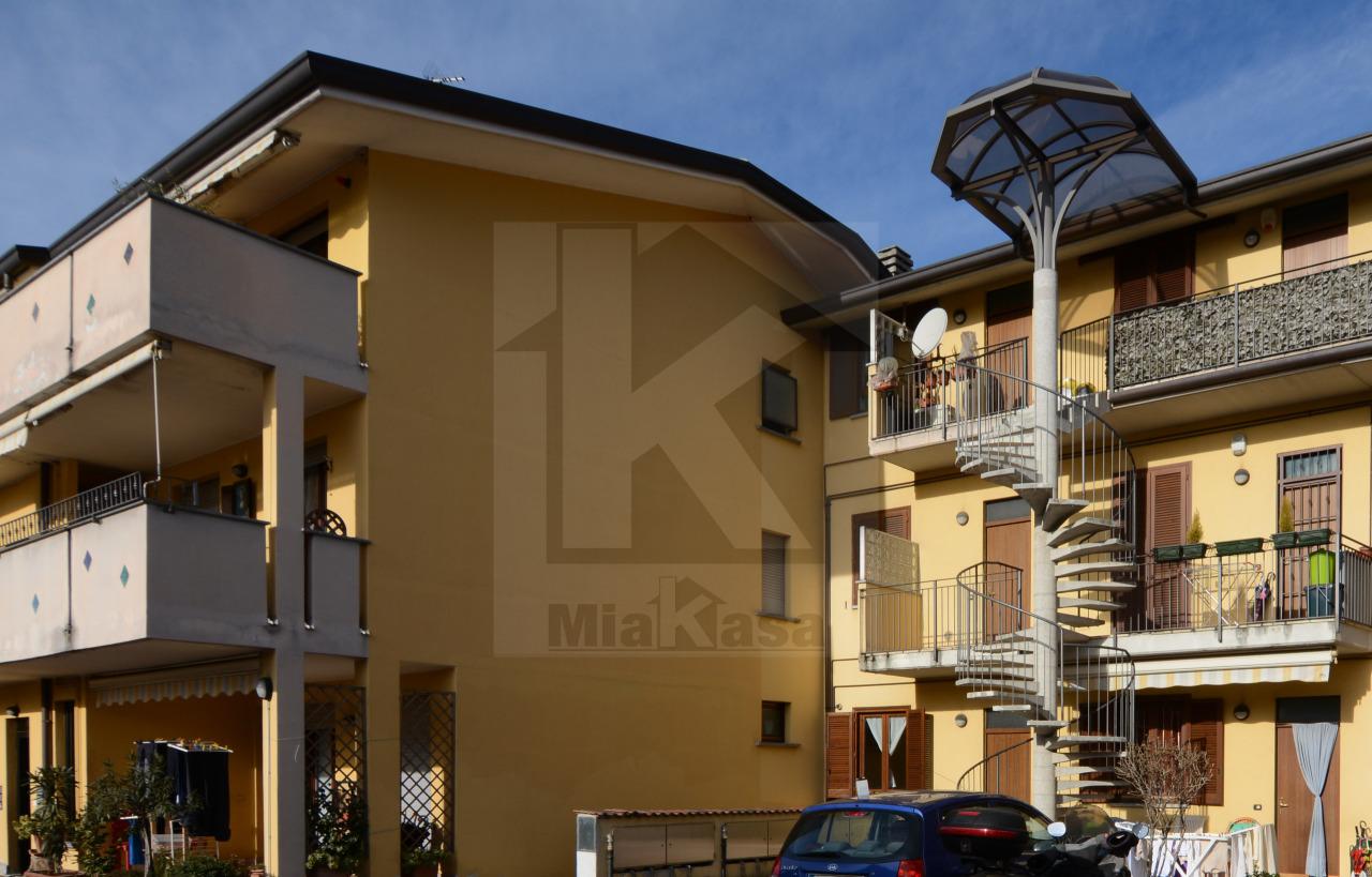 Appartamento in vendita a Origgio, 2 locali, prezzo € 89.000 | Cambio Casa.it