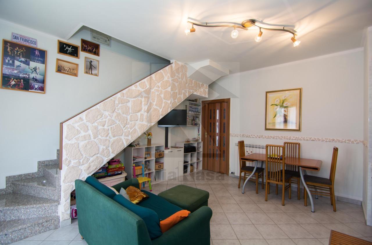 Appartamento in vendita a Uboldo, 2 locali, prezzo € 80.000 | Cambio Casa.it