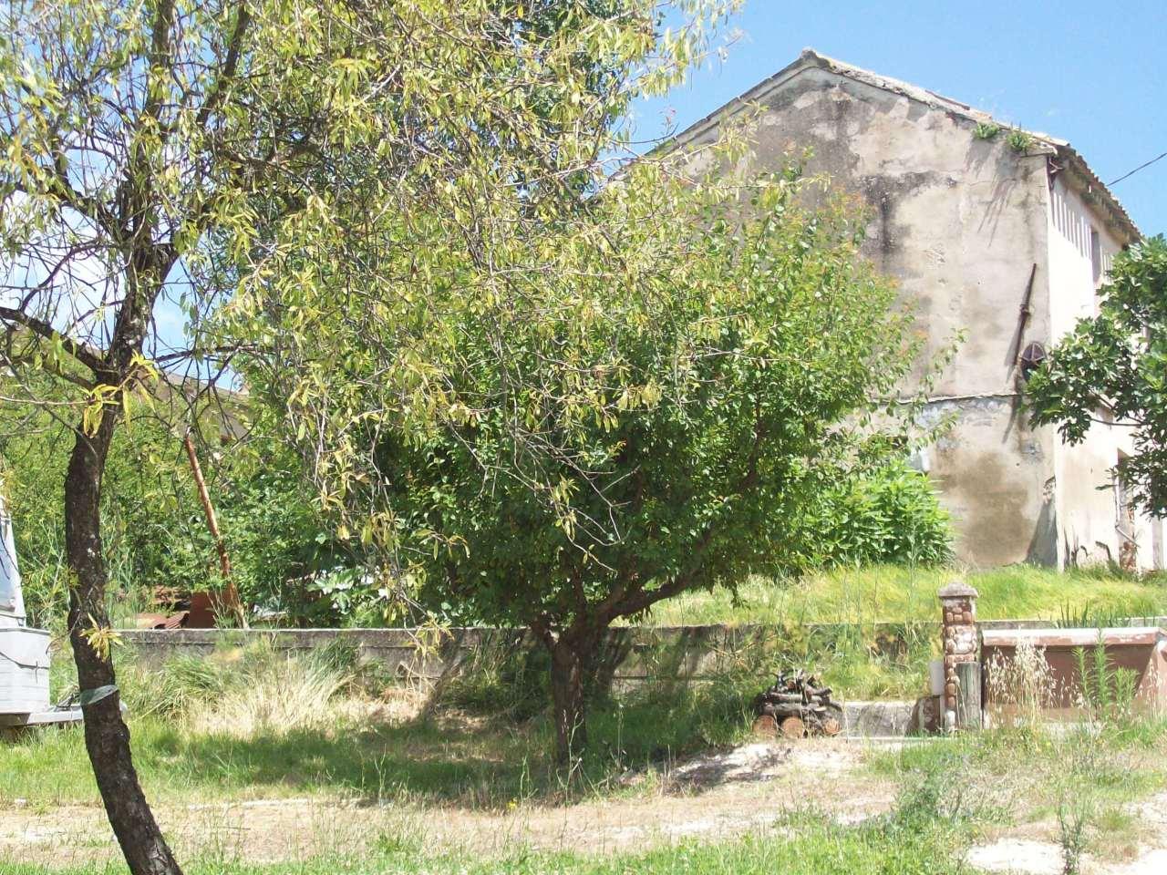 Rustico / Casale in vendita a Montemarciano, 9999 locali, prezzo € 58.000   Cambio Casa.it