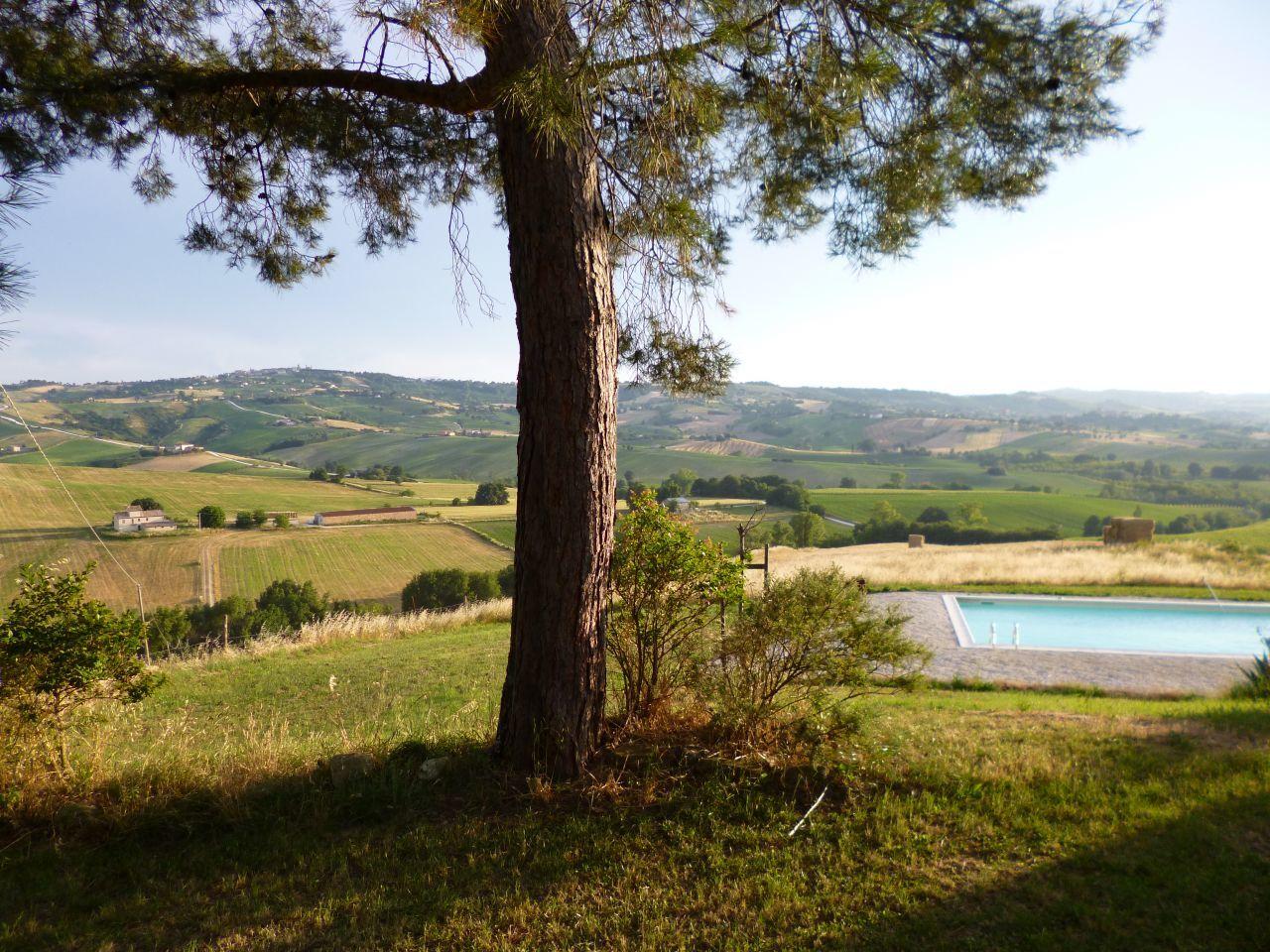 Rustico / Casale in vendita a Staffolo, 15 locali, Trattative riservate | Cambio Casa.it