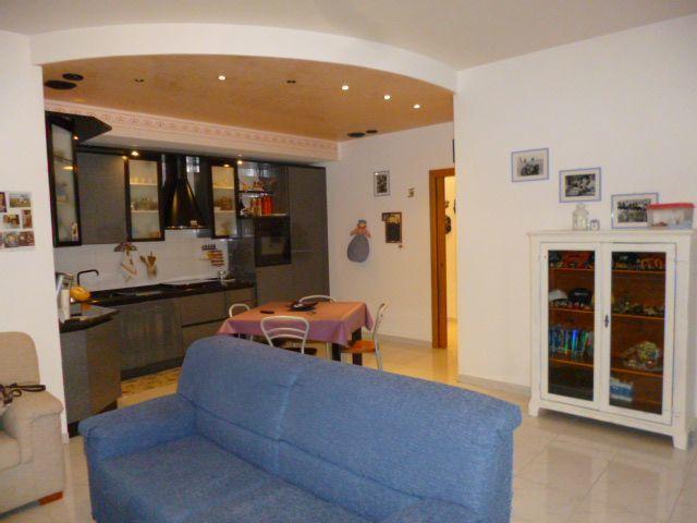 vendita appartamento castelbellino   105000 euro  4 locali  86 mq