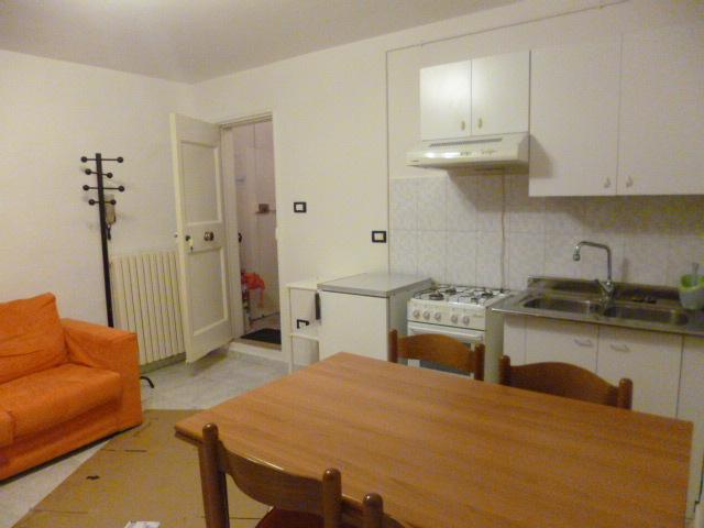 Appartamento in affitto a Jesi, 9999 locali, prezzo € 300 | Cambio Casa.it